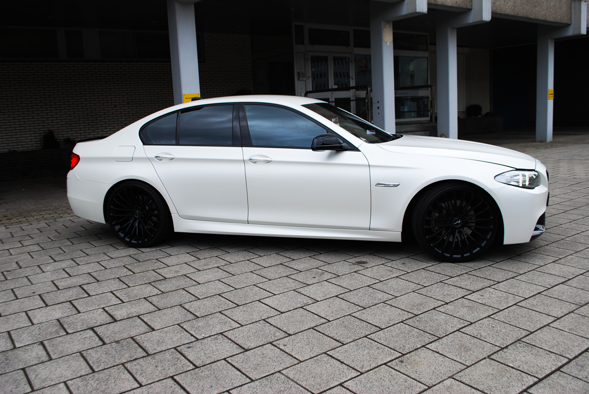 BMW Car wrapping pearl white